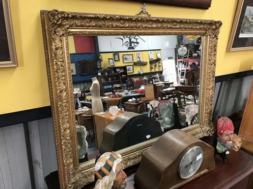 LOT 191	~	Large Gilt Framed Wall Mirror