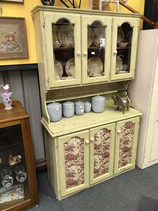 LOT 214	~	French Provincial Style Kitchen Hutch