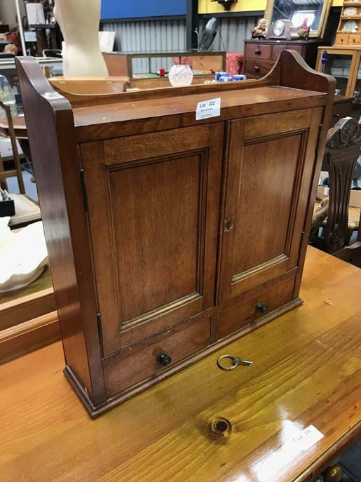 LOT 222	~	Edwardian Mini 2 Door 2 Drawer Cabinet with Key