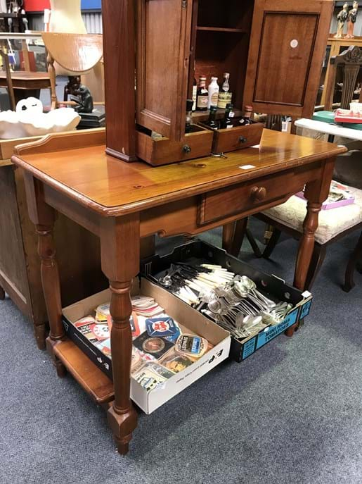LOT 226	~	Hall Table with Single Drawer & Undershelf