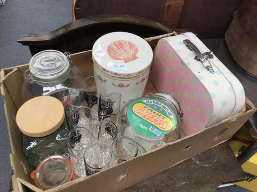 LOT 255	~	Box of Draculas Highball Glasses, Tins, Cases etc