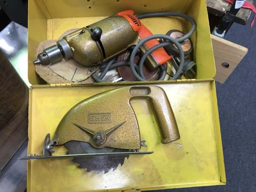 LOT 261	~	Sher Drill in Case & Airless Sprayer