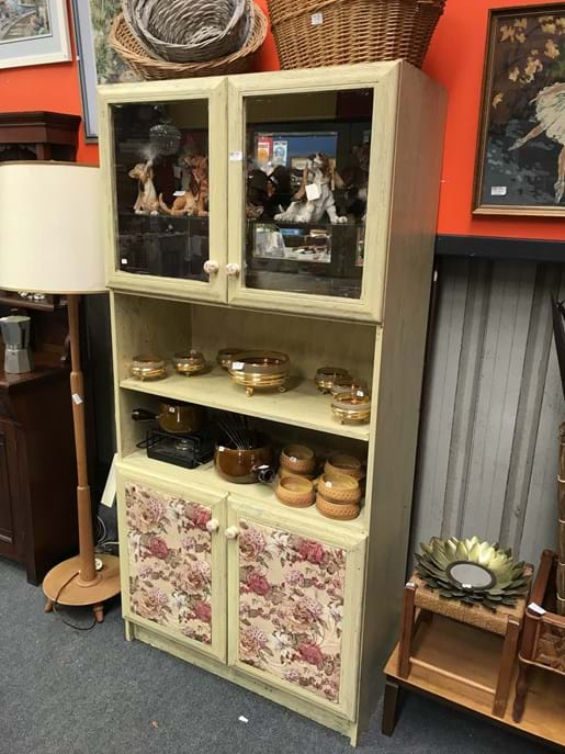 LOT 283	~	French Provincial Style Display Cupboard