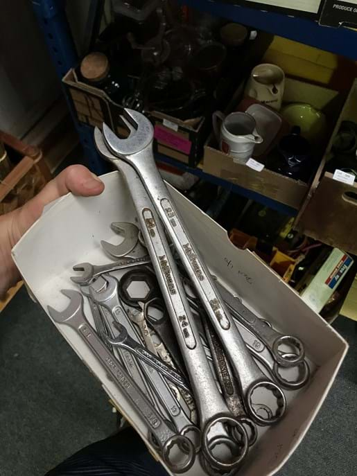 LOT 305	~	Asst Open End & Ring Spanners