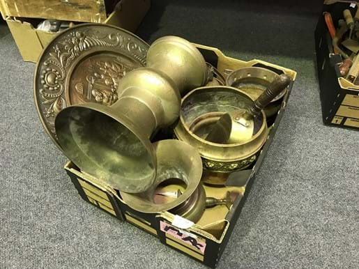 LOT 324	~	Box of Copper & Brass Vases, Plates etc.