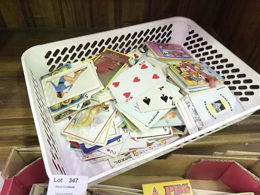 LOT 347	~	Tray of Swap Cards